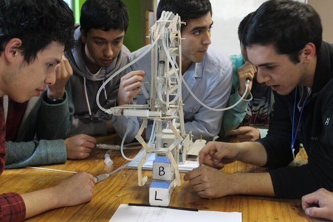 Bachillerato gana Desafío de Ingeniería 2015