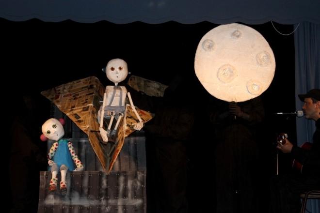 La magia del Teatro de Muñecos impregnó de alegría escuelas de Valdivia