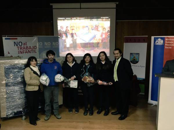 Premiaron a establecimientos educacionales de Los Ríos que se adjudicaron Concurso sobre Trabajo Infantil