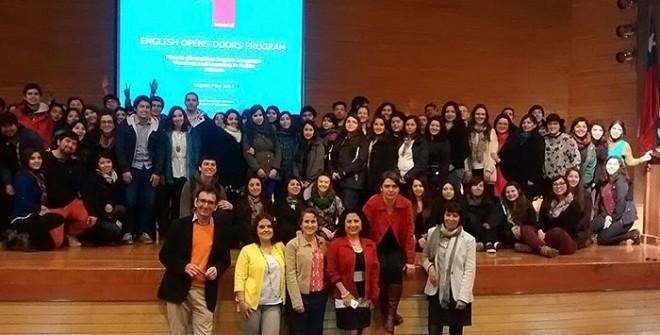 Experta en educación de la Embajada de EE.UU realizó jornada pedagógica a estudiantes de último año de carrera de Inglés