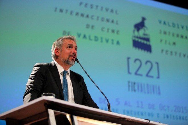 En su segunda visita a Los Ríos, ministro de Cultura anunció entrega de nuevos fondos para el Centro de Promoción Cinematográfica de Valdivia