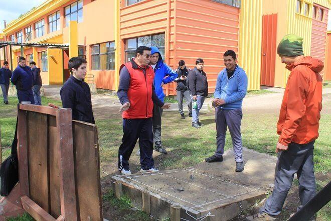 La rayuela conquista a jóvenes valdivianos