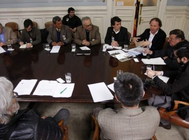 Senadores y organizaciones sociales forman Coalición contra la Prórroga del DL 701