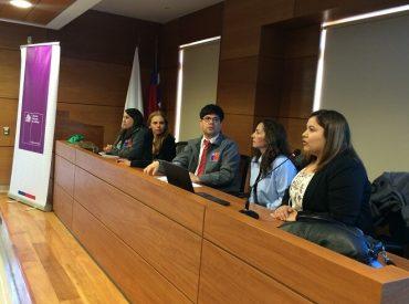 En ValdiviaSernam Los Ríos conversó con la ciudadania sobre Ley 20.066 de Violencia Intrafamiliar