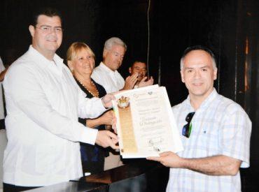 Profesional de la USS Valdivia expuso en Congreso de fortificaciones en México