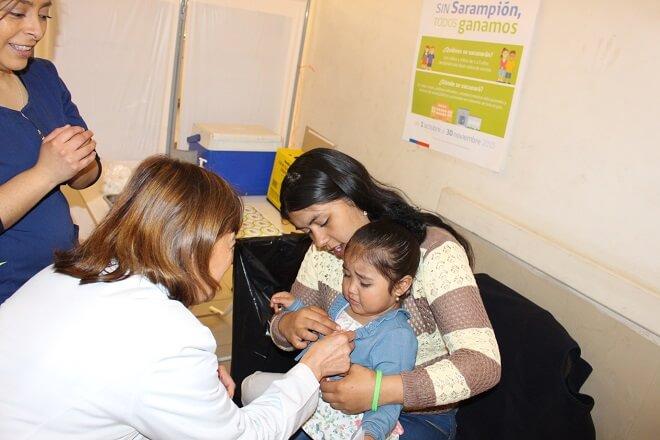 Mañana continua vacunación contra el Sarampión en Mall de Valdivia: ala fecha la cobertura alcanza un 10,4 por ciento