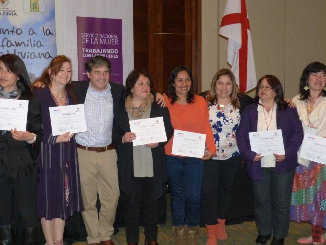 70 valdivianas se certificaron y realizaron encuentro comunal del Programa Jefas de Hogar