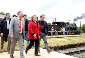 intendente-montecinos-visita-presidenta-bachelet-002