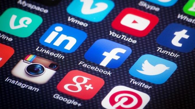 """Estudio de INJUV indica que un 85% de la juventud encuestada utiliza internet """"todos los días"""""""