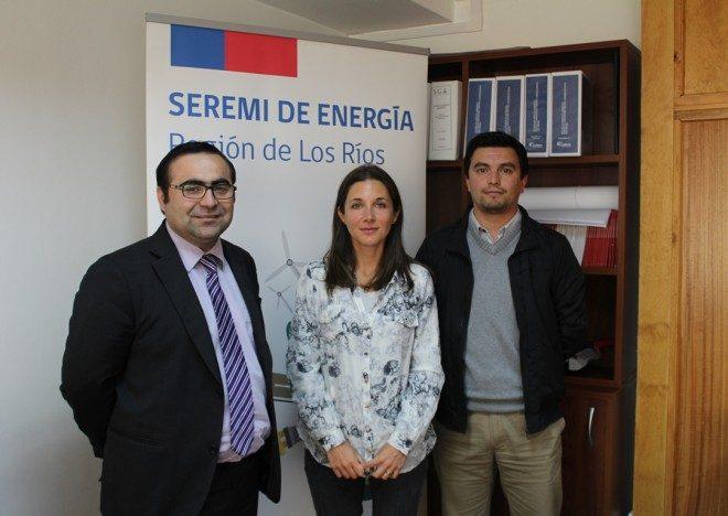 Dos valdivianos ganaron concurso de pasantías internacionales en materia energética