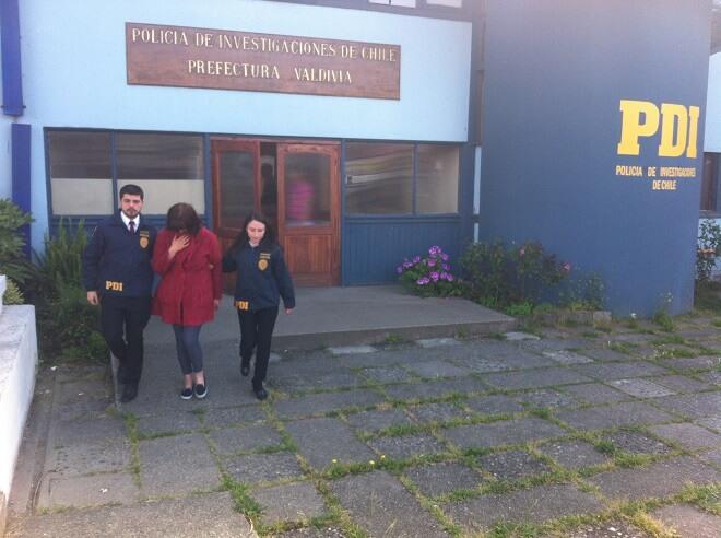PDI detiene a falsa dentista y desbarata clínica clandestina en Las Animas.