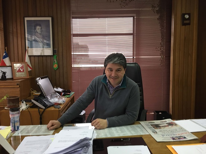 """Alcalde Sabat:""""Nuestra comuna sufre un grave problema de conectividad"""""""
