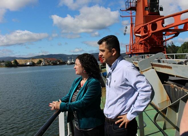 Autoridades del MOP destacaron los avances del proceso de dragado en los ríos de Valdivia.