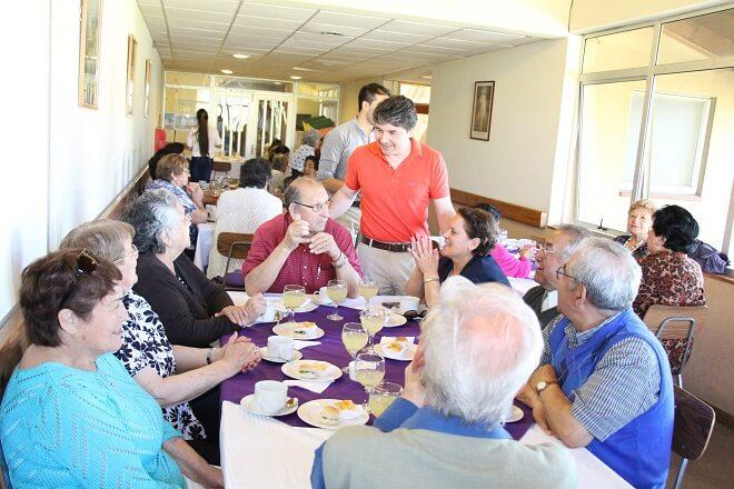Municipio de Valdivia finaliza con «malón» programa de adulto mayor