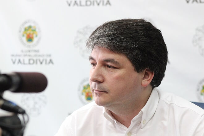Alcalde Sabat calificó como matonesca la actitud de la ANFP con Deportes Valdivia