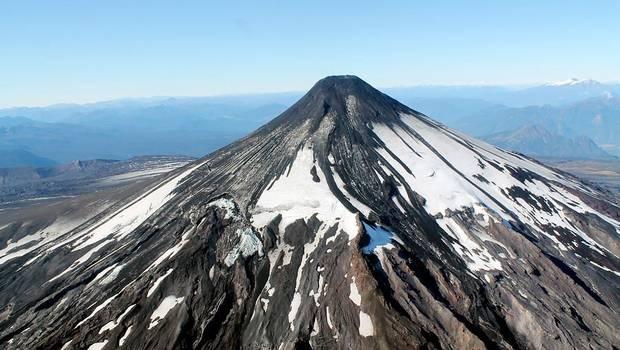 Sernageomin baja a alerta Verde al volcán Villarrica