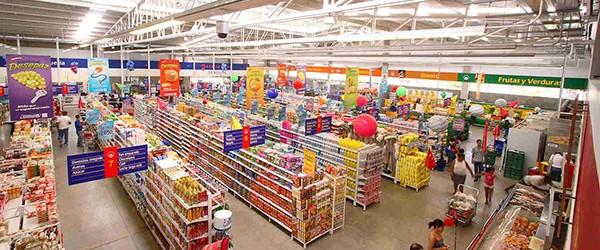 Colusión de precios de pollos: Sernac buscará que los Supermercados compensen a los consumidores afectados