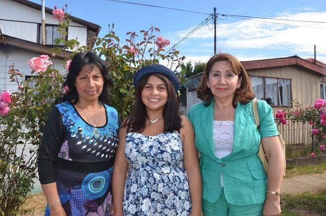 Carolina Cardenas, su mamá y Seremi