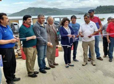 Fondo de Fomento para la Pesca Artesanal y Seremi de Economía entregaron Motores fuera de borda a pescadores artesanales de Los Ríos