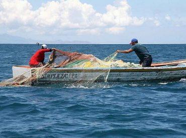 Pescadores de la Región de Los Ríos no quieren que se anule Ley de Pesca y Acuicultura