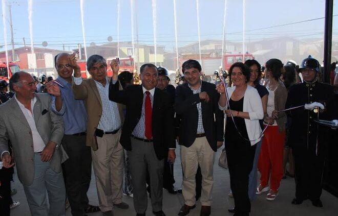 Autoridades, bomberos y vecinos inauguraron el nuevo Cuartel de Bomberos Angachilla de Valdivia
