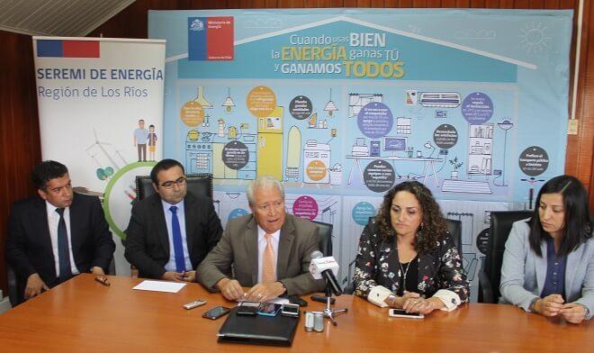 Gobernador Gallardo valora convenio de Eficiencia Energética para la Provincia del Ranco