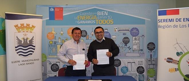 Firma convenio Seremi Energía - Municipalidad Lago Ranco. (1)