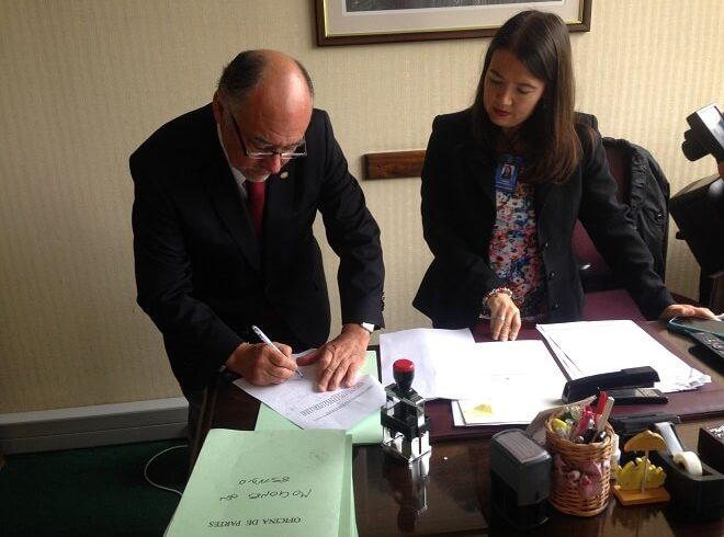 Diputado Flores presentó proyecto para otorgar a los veterinarios el rango de profesionales de la salud