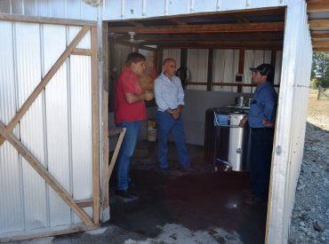 Director de INDAP visita emprendimientos en el rubro lácteo