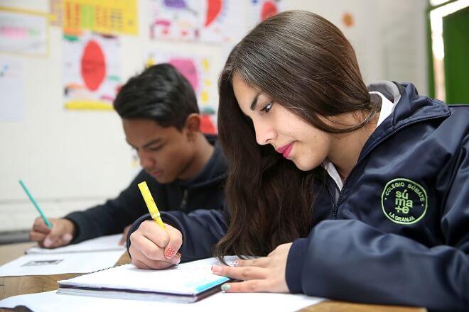 Sernam lanza campaña viral #PostulaPorTusSueños para motivar a las jóvenes a optar por carreras relacionadas con las ciencias exactas