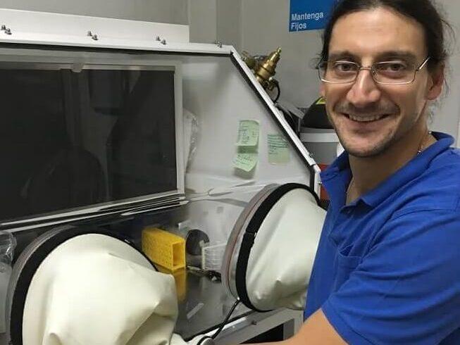 Ingeniero en Alimentos de la UACh ganador de premio Bios al científico joven 2015