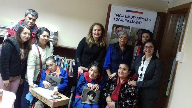 Centro educacional San Marcos de Valdivia recibió material tecnológico de Integración