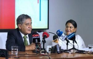 Subsecretario de Pesca y Acuicultura junto a Representante de la FAO en Chile (1) (1)