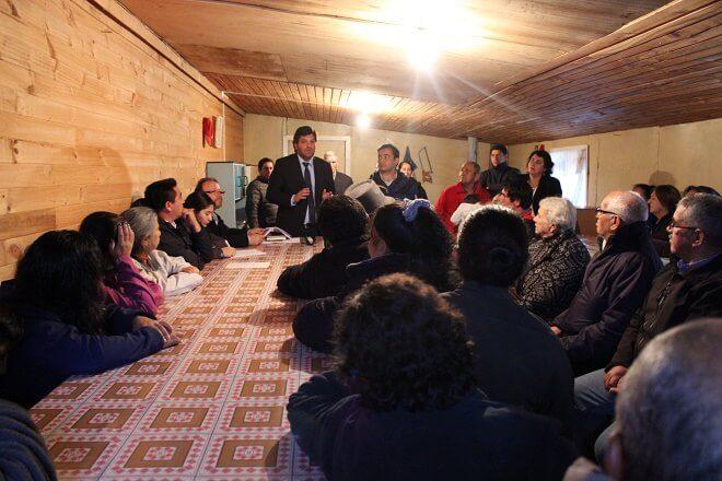 MINVU difunde subsidios rurales entre vecinos del comité Villa El Sol de Punahue
