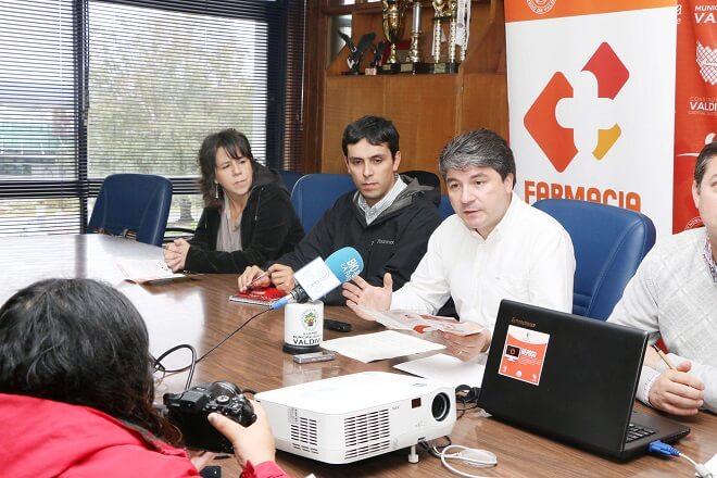 Valdivia echa a andar la Farmacia Municipal