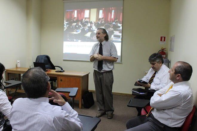 Secretario Ejecutivo de la Reforma Educacional capacitó a funcionarios de la Superintendencia de la región de Los Ríos