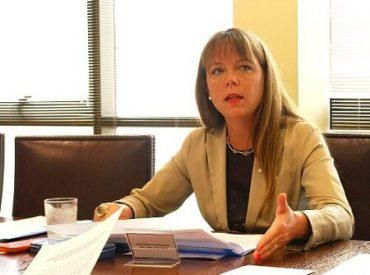 Senadora von Baer exige al Gobierno sistema de monitoreo permanente en las costas de región y aumento de fiscalización para enfrentar fenómeno de Marea Roja en Los Ríos