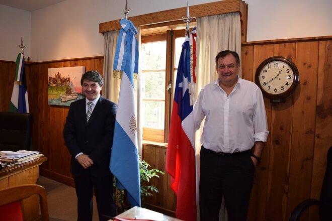 Alcalde Sabat realiza gestiones para fortalecer asociatividad entre Valdivia y Bariloche