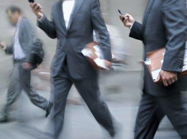 Proponen proyecto que sanciona mensajes comerciales a usuarios de dispositivos móviles