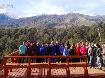 Empresarios turísticos de Panguipulli visitaron la Reserva Nacional Mocho Choshuenco