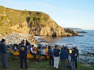 Intendente informó a comunidad de Caleta Huiro situación actual de Marea Roja