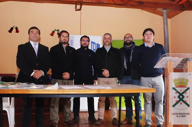 Municipalidad de La Unión firma convenio con empresas para promover reciclaje en la comuna