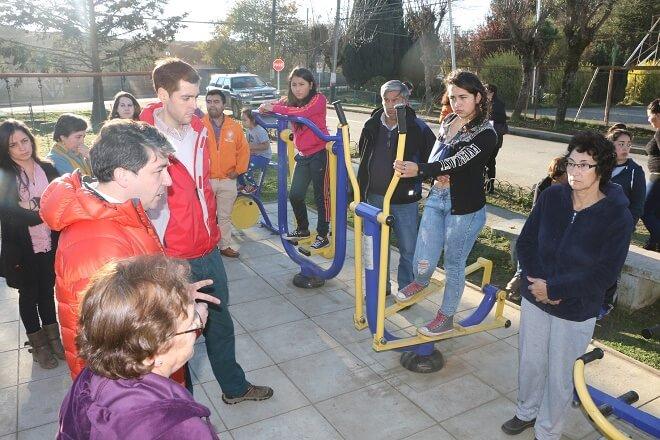 Municipalidad de Valdivia entrega a la comunidad cinco estaciones de ejercicios
