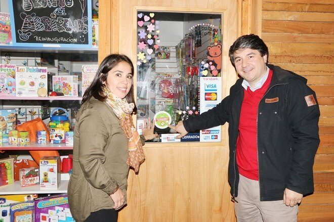Seis nuevos negocios se suman a campaña de reducción de bolsas plásticas en Valdivia