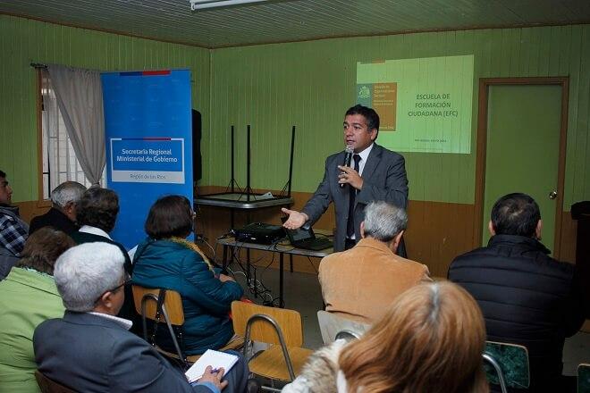 Ochenta representantes de organizaciones sociales de Río Bueno fueron parte de la primera Escuela de Formación Ciudadana