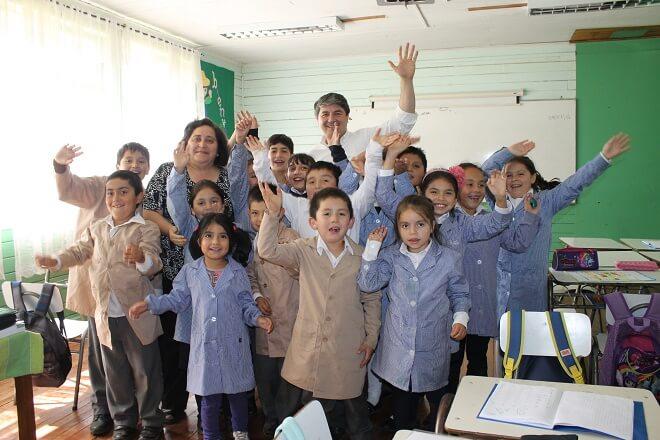 alcalde en escuela rural de arque_en abril