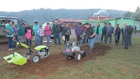 """Gobernador del Ranco: """"Como Gobierno tenemos un fuerte compromiso con la agricultura, con el campo y su gente"""""""