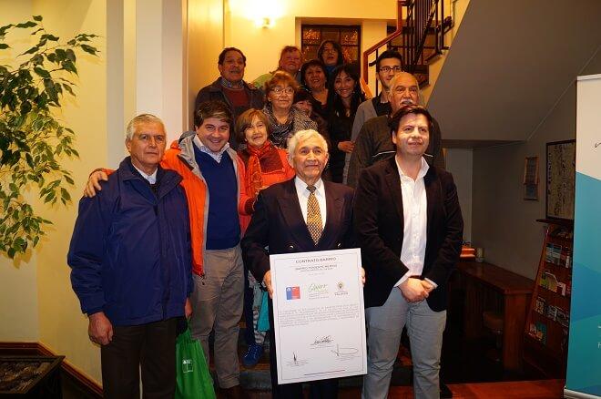 Vecinos de tres sectores de Valdivia firman su Contrato de Barrio con Municipio y Minvu