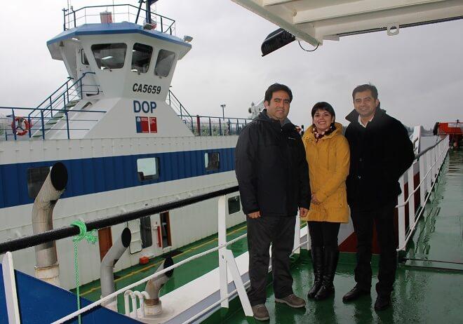 Barcaza Andalué inicia recorridos reemplazando a la nave Cullamó, que se va a mantención