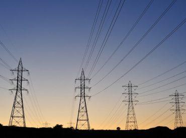 Diputado Bobadilla celebra aprobación de proyecto que estabiliza precios de la energía eléctrica